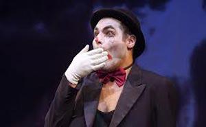 Hamlet, Thiago Lacerda com maquiagem de palhaço 2